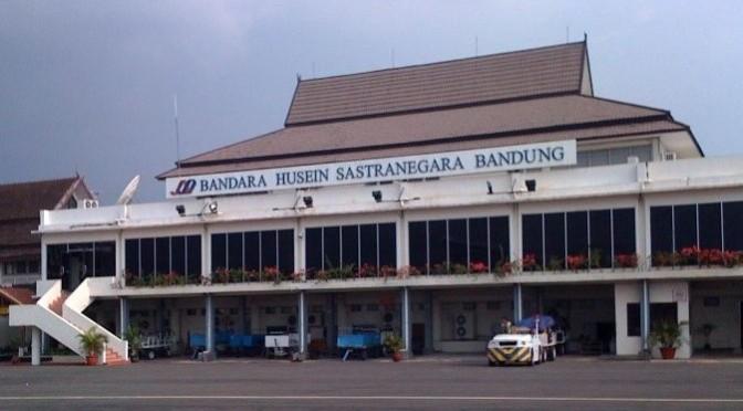 Erste Flughäfen auf Java nach Vulkanausbruch wieder geöffnet