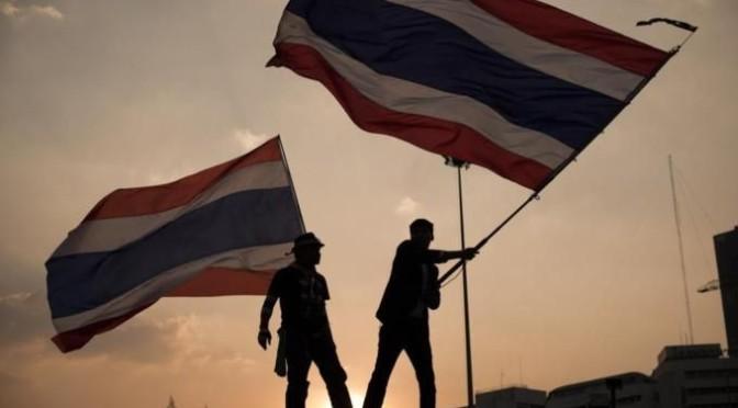 Thailand: MP Yingluck kündigt Nachwahlen an