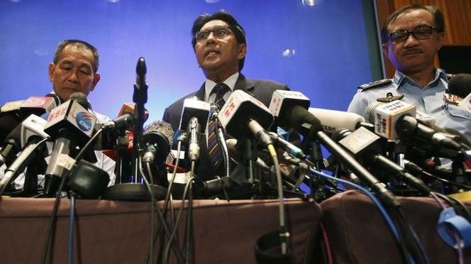 Malaysia Flug MH370: Spekulationen halten an