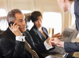Telefonieren im Flugzeug soll weiterhin untersagt bleiben