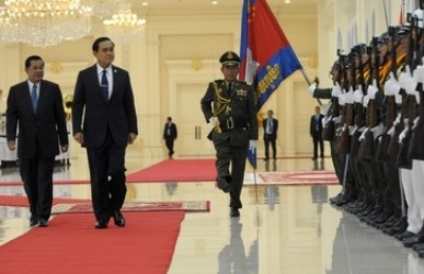 Thai-Premier Prayuth Chan-ocha besucht Kambodscha