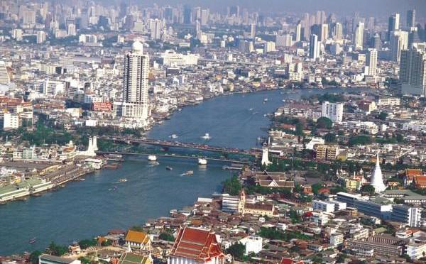 ASEAN-Minister-Treffen: Mehrere Bombenanschläge