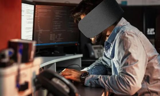 Panasonic entwickelt Sicht- und Hörschutz im Büro