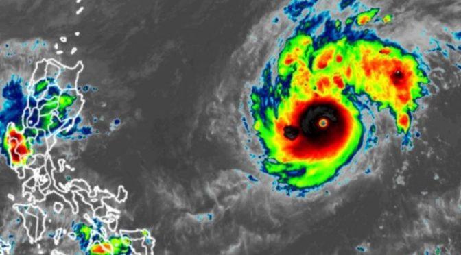 Super-Taifun fegt über Philippinen, 4 Tote
